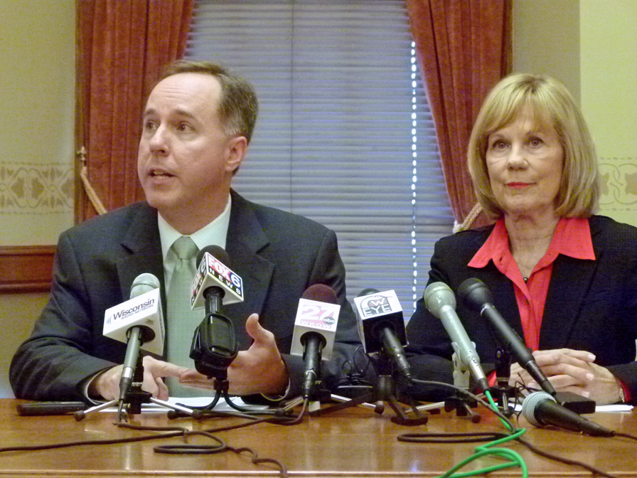 Robin Vos & Alberta Darling want fired MPD officers to get paid while appealing terminations